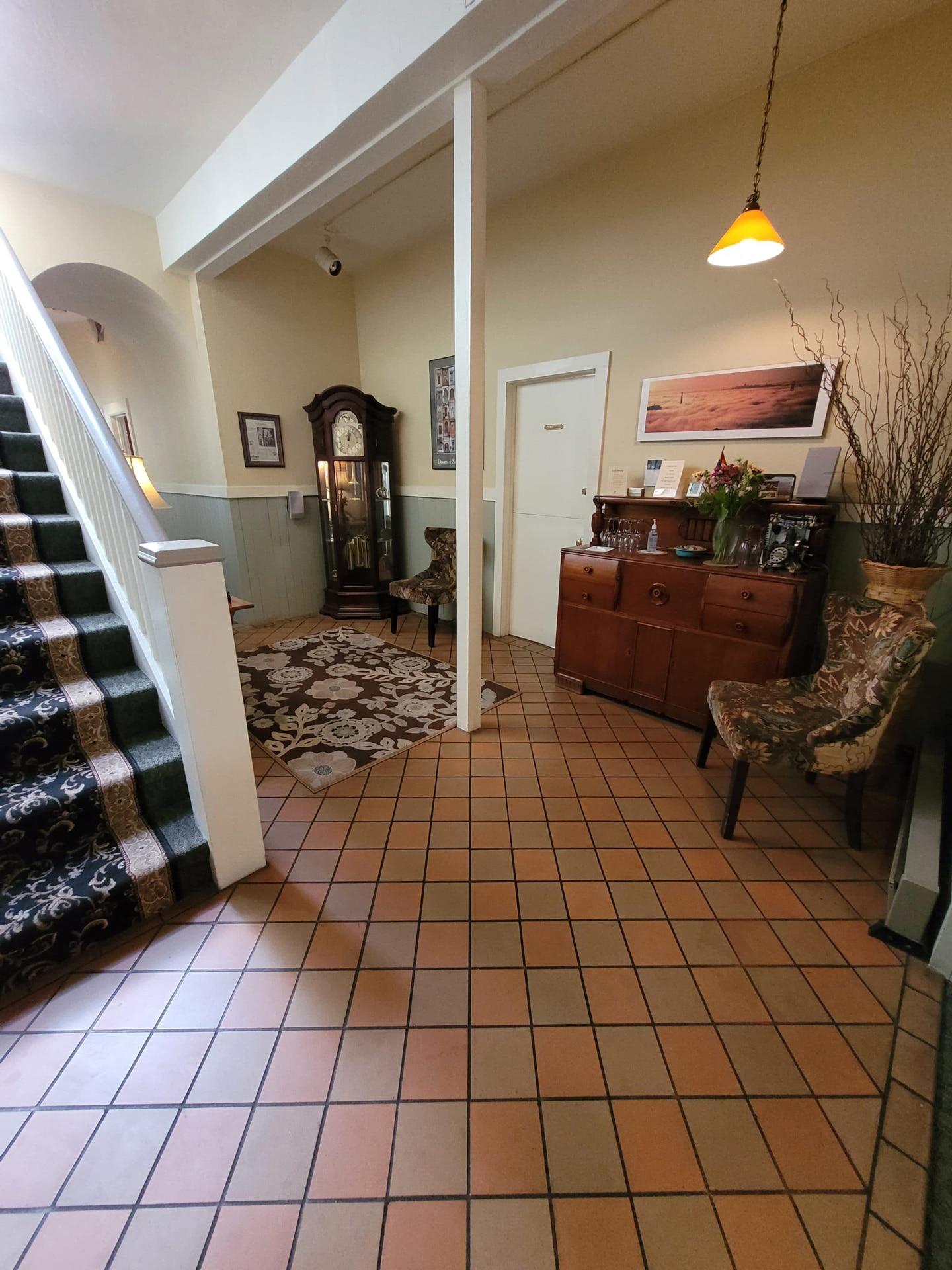 About The Willows Inn, Charming, European-Style San Francisco B&B